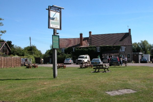 The Ivy Inn, North Littleton  © Copyright Philip Halling and licensed for reuse under this Creative Commons Licence