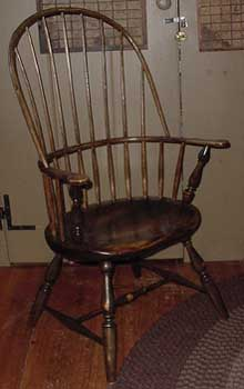 """Windsor Chair Sack Back Armchair cr"". Licensed under CC BY-SA 3.0 via Wikipedia - https://en.wikipedia.org/wiki/File:Windsor_Chair_Sack_Back_Armchair_cr.jpg#/media/File:Windsor_Chair_Sack_Back_Armchair_cr.jpg"