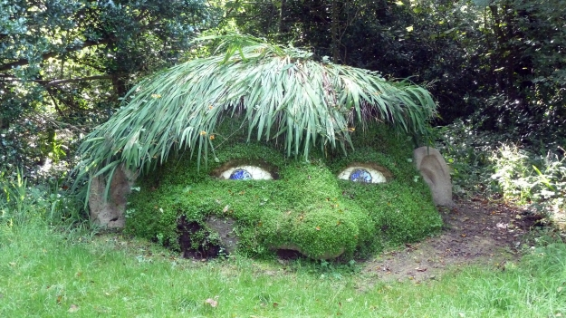 By Rob Young from United Kingdom (Giant's Head / The Lost Gardens of Heligan) [CC BY 2.0 (http://creativecommons.org/licenses/by/2.0)], via Wikimedia Commons
