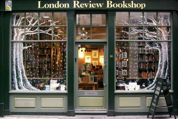 Photo Five from https://www.londonreviewbookshop.co.uk/gallery?gallery=christmas-windows